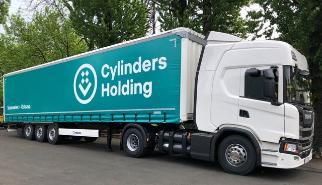 The first CNG-powered truck- Cylinder-Holding